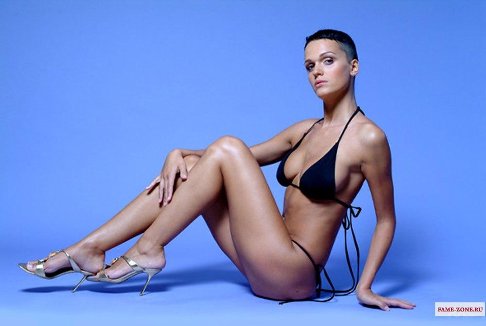 pevitsa-fotografii-eroticheskie
